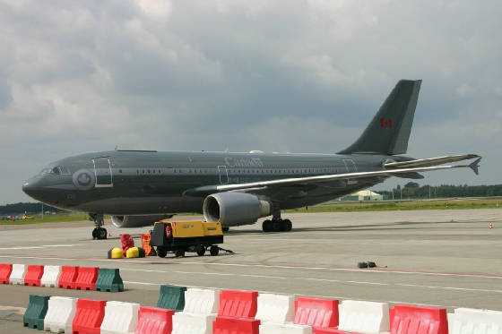 Canadian forces  A310  15002  19-07-09