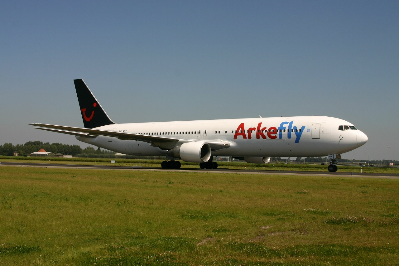 Arkefly  B763  ph mcv  05-08-07
