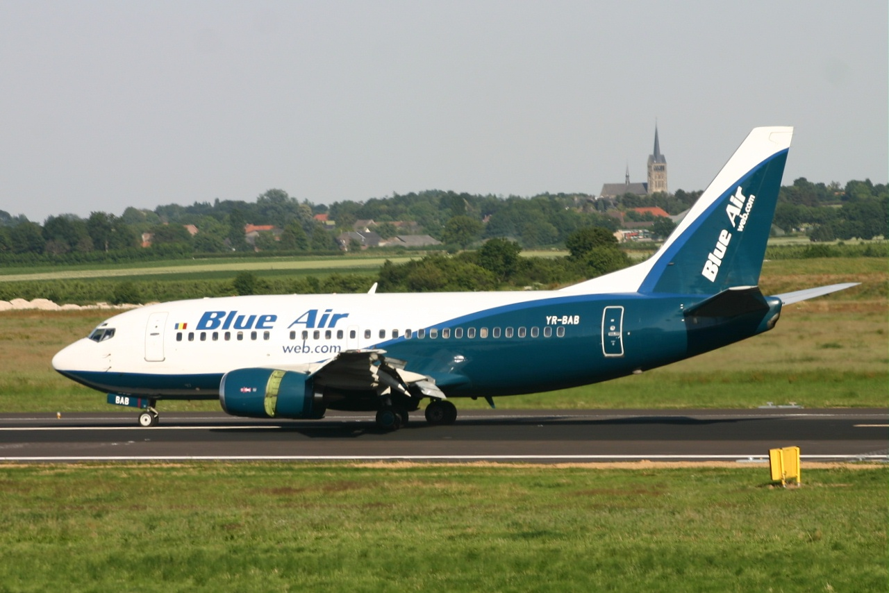 Blue air 737 yr bab 02-07-06