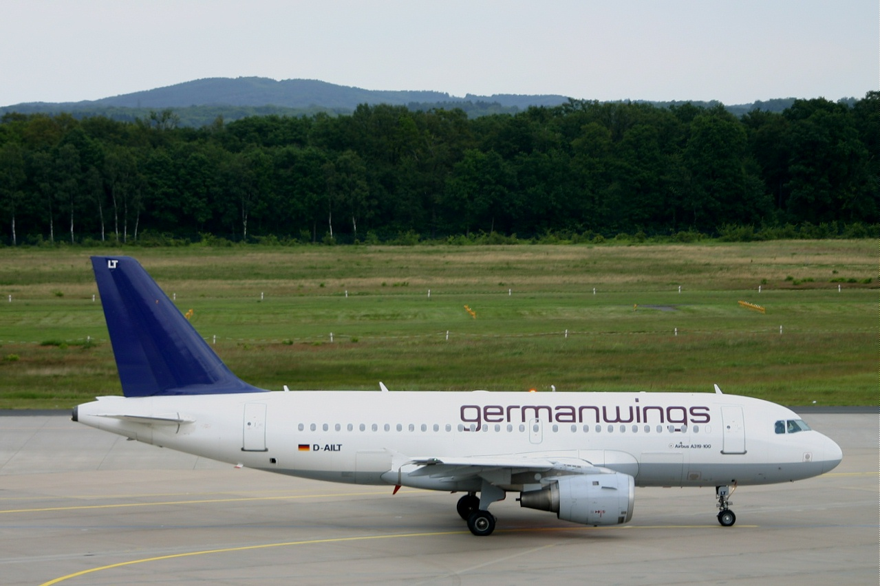 Germanwings  A319  d ailt  11-06-05