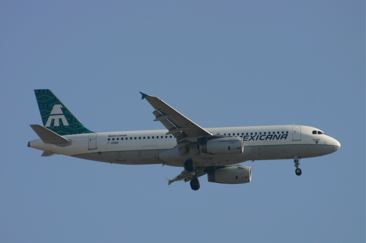 Mexicana  A320 f ohmh 17-09-05
