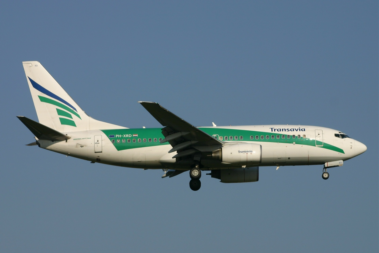 Transavia  B737  ph xrd  02-04-05